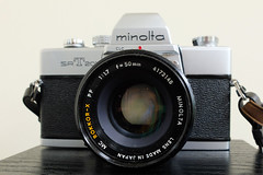 Minolta SRT 201 / Rokkor-X 50mm / 1.7 (ho_hokus) Tags: slr minolta 17 minoltasrt201 2016 50mmlens 35mmcamera rokkorx fujifilmx20