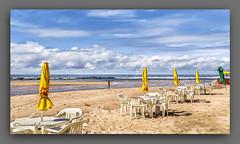 MADRUGADOR. (manxelalvarez) Tags: paisajes praia brasil playa bahia nubes cielos buraquinho