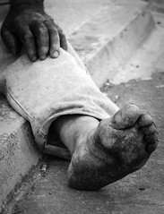 Bigfoot (Angelo Petrozza) Tags: blackandwhite biancoenero magliano lecce puglia feet piedi sporchi foot pentax streetphotography
