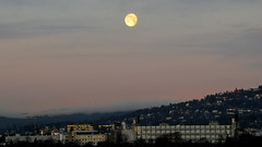 Oslo north-west (ospyearn) Tags: moon sunrise oslo holmenkollen ospyearn wintermorning