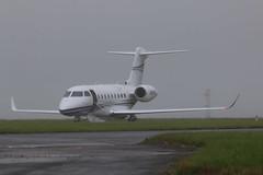 N280SD parked. (aitch tee) Tags: wet weather aircraft gulfstream bizjet walesuk cardiffairport ttail maesawyrcaerdydd cwlegff signatureaircrafthandling parkedonthecambrian n280sd