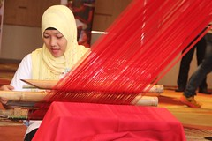 Weaving, healing the soul (feelKULAY) Tags: thread textile cloth weaving mindanao muslimwoman zamboangacity manualweaving