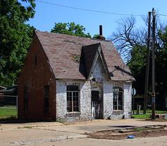 Old Gas Station - Westville, Oklahoma (danjdavis) Tags: oklahoma gasstation oldbuilding abandonedbuilding oldgasstation westville adaircounty