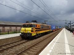 RRF 4401 met Małaszewicze shuttle te Elst (Nick van Dijk trainphotography) Tags: ct zug shutle lucht trein onweer goederen elst rrf donkere guterzug captrain małaszewicze