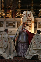 Bishop Rey blessing (Lawrence OP) Tags: london blessing bishop oratory vespers pontifical 2016 5july sacraliturgia
