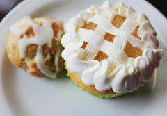 Apple Pie Surprise+Raspberry Cream Puff (KatieFuji) Tags: apple oregon pie dessert cafe downtown sweet cream puff larrys gourmet eugene delicious cupcake surprise raspberry