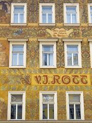 Prague (★ iolo ★) Tags: prague praha f45 lr républiquetchèque § iso80 ¹⁄₂₀₀s canonpowershots90 6225mm