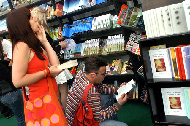 Bookshop browsing at the 2004 Edinburgh International Book Festival