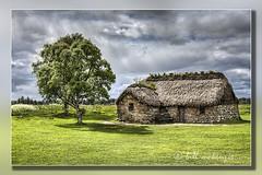 Leanach Farmhouse Culloden #2 (Bill McKenzie / bmphoto) Tags: landscape scenic best historic culloden historicbuildings battleofculloden visitscotland eos5dmkii scottishviewpoint leanachfarm