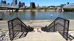 Down to the (Ohio) River (mrgraphic2) Tags: kentucky cincinnati newport ohioriver