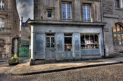 Librairie Septentrion - Saint Malo (J@y C) Tags: street france shop canon reading book bretagne breizh uga 1020mm rue livre hdr livres saintmalo jyc sigma1020mm 1020powwaaaa