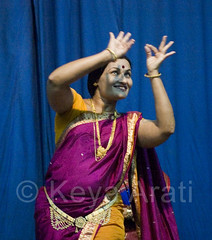Padmabai of Aryabhushan Theatre.. Amazing Dancer (keyaart) Tags: india men women dancers theatre folk pune lavani aryabhushan