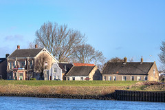 Living by the riverside (Frans & all) Tags: houses house holland river dordrecht huis dijk noord waterbus rivier canonef100400mmf4556lis allfrans