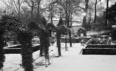 Gardens of the Crab and Lobster pub (kyliepics) Tags: snow landscape blackwhite gimp olympus e520 evolt520 olympuszuikodigitaled1442mmf3556