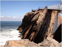 Pasarela y Mirador de Salinas. (margabel2010) Tags: mar asturias personas salinas nubes olas rocas piedra pasarelas barandillas rompientes marycielo marytierra