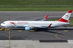 Austrian Airlines Boeing 767-3Z9ER OE-LAE (c/n 30383) (Manfred Saitz) Tags: vienna wien airport boeing flughafen airlines 767 vie austrian 767300 schwechat loww 763 b763 oelae oereg