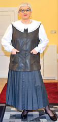 Ingrid022018 (ingrid_bach61) Tags: skirt blouse mature button waistcoat bluse pleated weste faltenrock knopfleiste