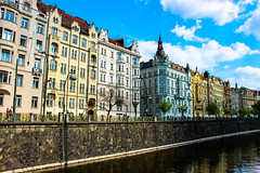 Prague in colors (Sannou In The Middle) Tags: water colors architecture canon eau prague couleurs bluesky praha czechrepublic vltava rpubliquetchque praha1 canoneos600d