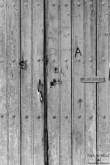 Analog #6 When a door closes. | Cuando se cierra una puerta. (Chasing the exposure.) Tags: door wood light blackandwhite blancoynegro luz analog mailbox landscape puerta madera closes camino lock path paisaje minimal pomo knob minimalismo cerradura buzn analgico cierra chasingtheexposure