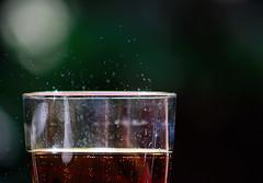 Bollicine    [Explored 2016-07-03] (italo svevo) Tags: summer nikon dof estate bokeh outdoor sommer sete drinks verano cocacola t thirst vasco pdc schrfentiefe boissons bebidas durst soif bollicine vascorossi bevande