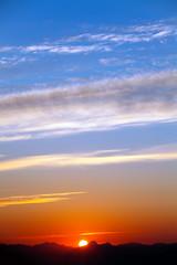 Sunrise over the Cascades (1) (iaakisa) Tags: cloud sunrise frommybalcony