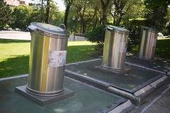20-06-2016 047 (Jusotil_1943) Tags: 20062016 contenedores basura hierro metal tres