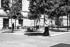 XT1-06-21-15-447-2 (a.cadore) Tags: fujifilmxt1 fujifilm xt1 zeissbiogon28mmf28 biogont2828 zeiss carlzeiss newyorkcity nyc uptown ues themetropolitanmuseumofart metropolitanmuseum metmuseum museum met candid blackandwhite bw