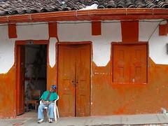 Pijao (michelangelo ciminale) Tags: street door old people america calle puerta colombia strada personas persone porta viejo anziano pijao