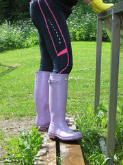 Lilac Hunters in work (jazka74) Tags: wellies rubber boots hunter original gloss use fun wet