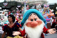 IMG_2874 (crosemoo) Tags: white snow boys beauty lost mouse happy frozen bell peterpan disney mickey disneyworld seven merida chip beast brave minnie elsa tinker tangled bashful dwarfs repunzel festivaloffantasy
