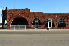 olden arches (rickele) Tags: brick arch arches vacant realtor outofbusiness realty commercialbuilding webuyhouses colusacounty oldus99 maxwellcalifornia usroute99w