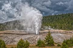 Beehive Geyser (Philip Kuntz) Tags: oldfaithful yellowstonenationalpark wyoming geysers uppergeyserbasin beehivegeyser notanhdr
