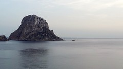 Calm (Julyyaa) Tags: sunset sea espaa atardecer mar spain mediterranean calm ibiza calma isla spanien mediterrneo baleares espagna illesbalears