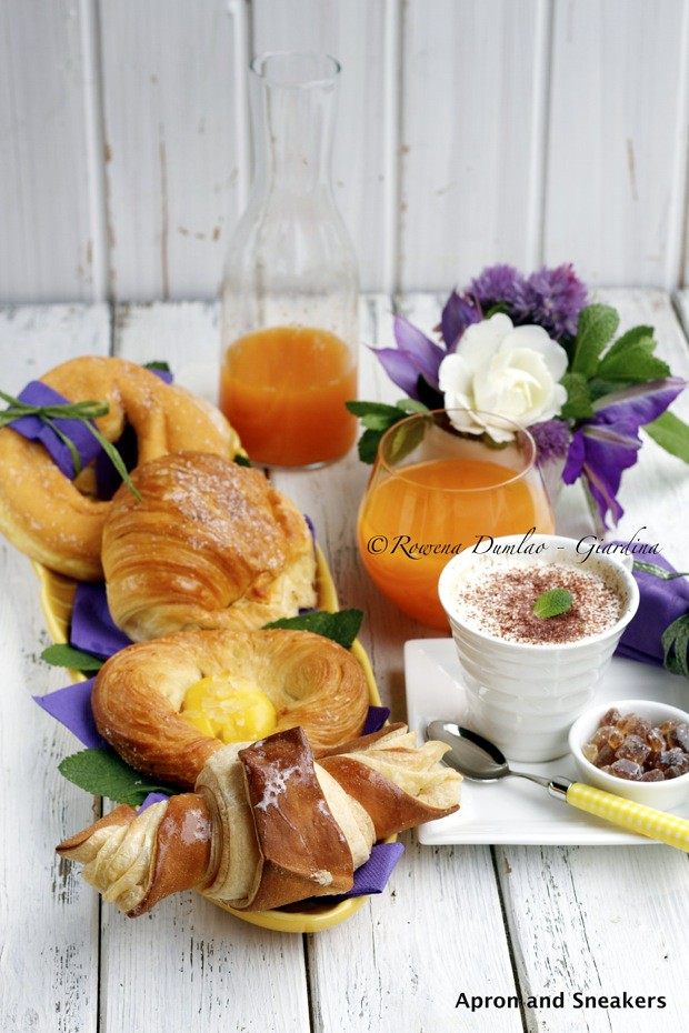 The world 39 s best photos of cornetto and italian flickr for Italian breakfast