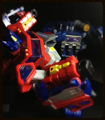 Heavy Metal Smackdown (Omega~Charge) Tags: fall toy toys prime fight battle transformers classics figure g1 optimus voyager vs generations soundwave foc cybertron