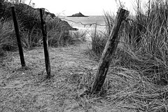 B&W 3 (Amaury LE HESRAN) Tags: island noiretblanc ile bretagne isle a5 isla cotesdarmor
