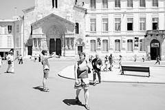 Arles, 2013 (Luca Napoli [lucanapoli.altervista.org]) Tags: street blackandwhite highkey lucanapoli sonyrx100 rx100street lesrencontresdesarles2013