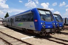 SNCF Diesel trainset N X74505. (Franky De Witte - Ferroequinologist) Tags: de eisenbahn railway estrada blanc argent chemin fer spoorwegen ferrocarril ferro ferrovia     romorantin