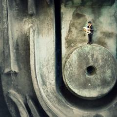 Waiting (R D L) Tags: miniature edinburgh modernart figure ho deangallery