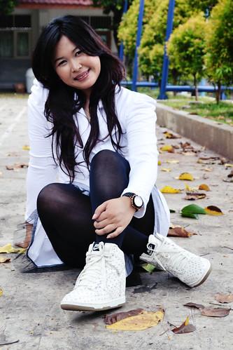 white fashion nike whitecoat feminim wedgesneakers sisiliaretnawati