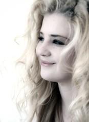 Blondie (Elise Arod) Tags: portrait girl smile pretty sweet girly retro blond filters vintagefeel nikond80