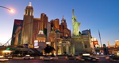 Las Vegas By Night (Montre ce qu'il voit!) Tags: las vegas panorama etatsunis photodenuit olympuse510 ilobsterit julienvidal