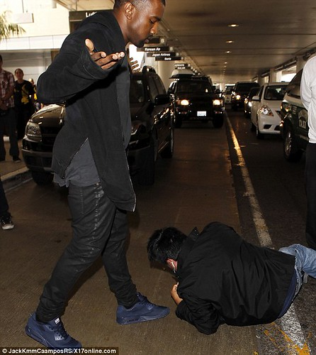 Kanye West explains why he set it off on the paparazzi