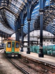 Southern Railway 313215, Platform 8, Brighton Station. (Man of Yorkshire) Tags: roof station electric train brighton platform railway trains southern emu ornate unit thirdrail coastway btn platform8 class313 313215