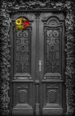 Door (Vagelis Pikoulas) Tags: door light red colour yellow canon eos europe republic niceshot czech hora 1855mm x4 kutna 550d colorphotoaward mygearandme