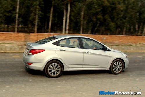 2014-Hyundai-Verna-10