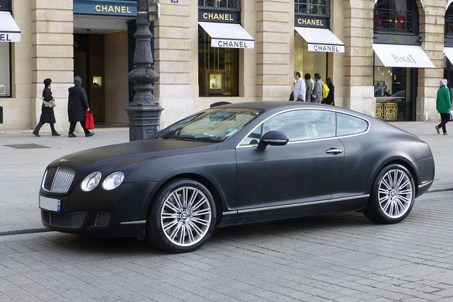 bentleycontinentalgt bentleycar placevendomeparis matteblackcar parisluxurylife chanelplacevendomeparis