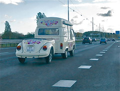1979 VOLKSWAGEN Transporter T2 with trailercar (ClassicsOnTheStreet) Tags: bus vw bug volkswagen beetle cox a1 lpg van 1979 transporter t2 coccinelle kever foodvan aanhanger maggiolino remorque bogr 2013 foodwagon trailercar autonegozio suikerspinbus 89bxrh