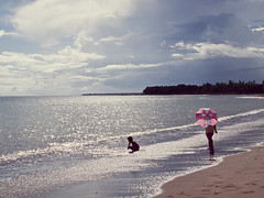Droplets from the sun (315Edith) Tags: sea sun playing beach kids clouds umbrella afternoon shimmer sparklesonthewater canong12 sanandrescatanduanes