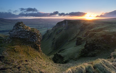 Winnats Pass Sunrise (John Cropper) Tags: hope peakdistrict edale whitepeak castleton winnatspass bluejohn